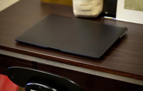 moshi iGlaze for MacBook Air_01