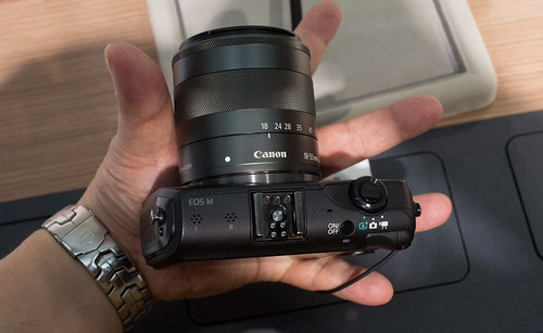 EOS M with iPhone_06