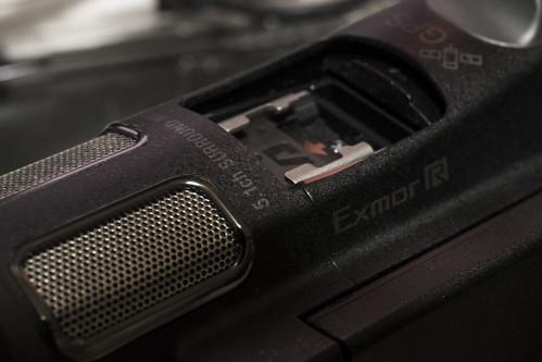 HDR-CX900_02