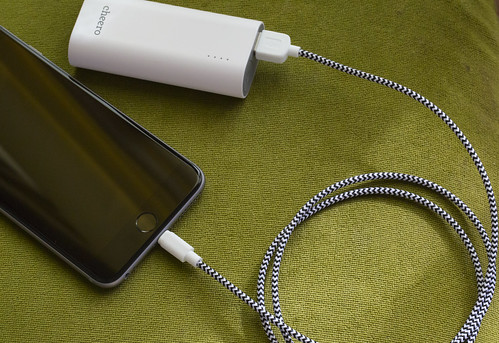 cheero Fabric braided USB cable with Lightning_04