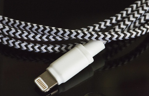 cheero Fabric braided USB cable with Lightning_02