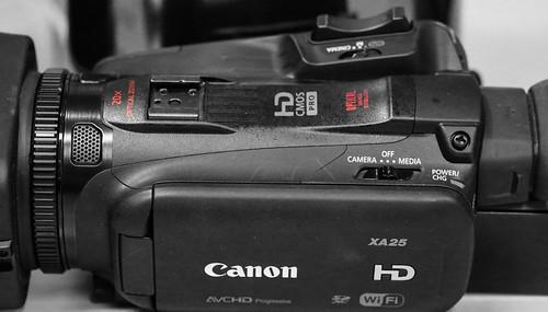 Canon XA25_03