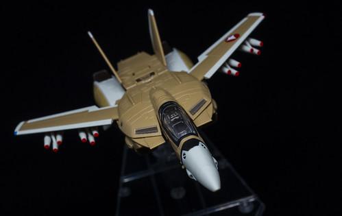 HI-METAL R VF-1A VALKYRIE_03