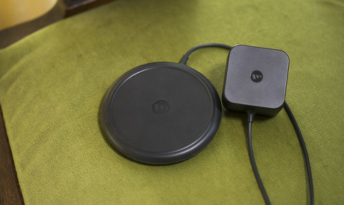 mophie wireless charging base_06