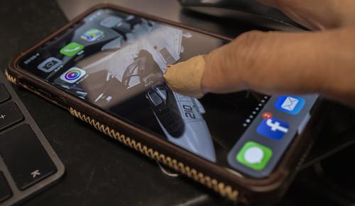 iphoneとバンドエイド