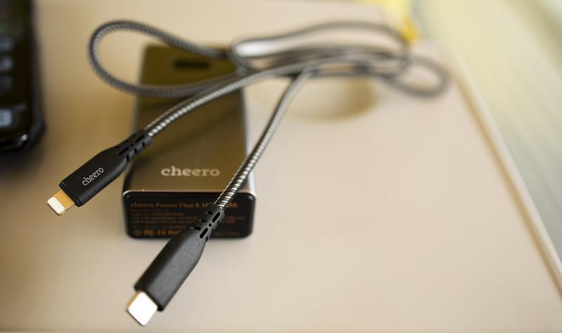 cheero Type-C to Lightning Cable_04