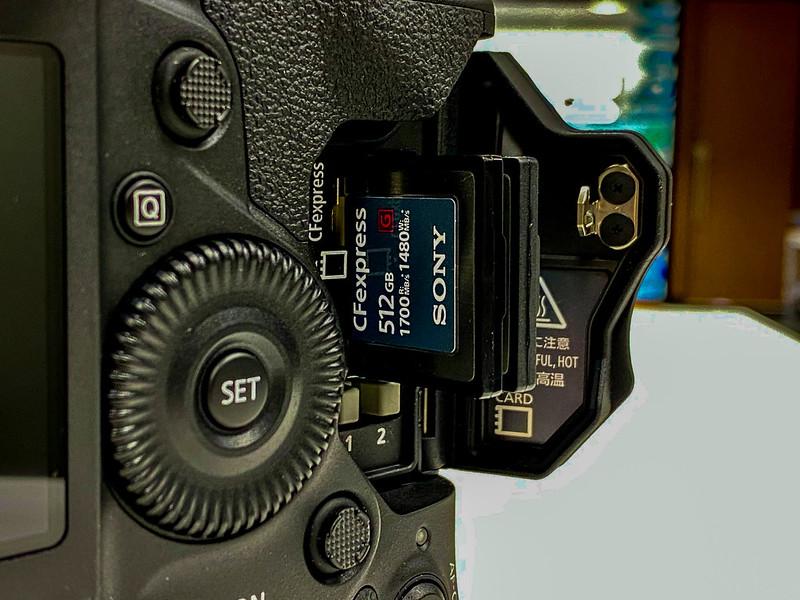 EOS-1D X Mark III & CFexpress_04