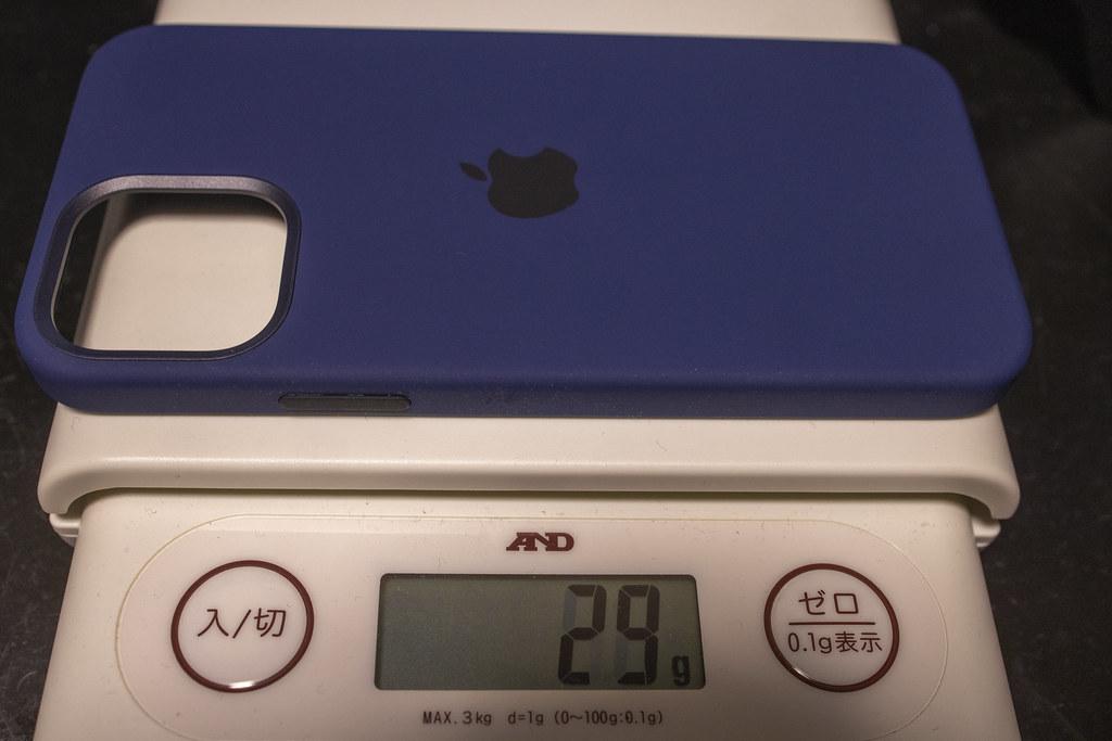 iPhone 12 アップル純正シリコンケースの重量