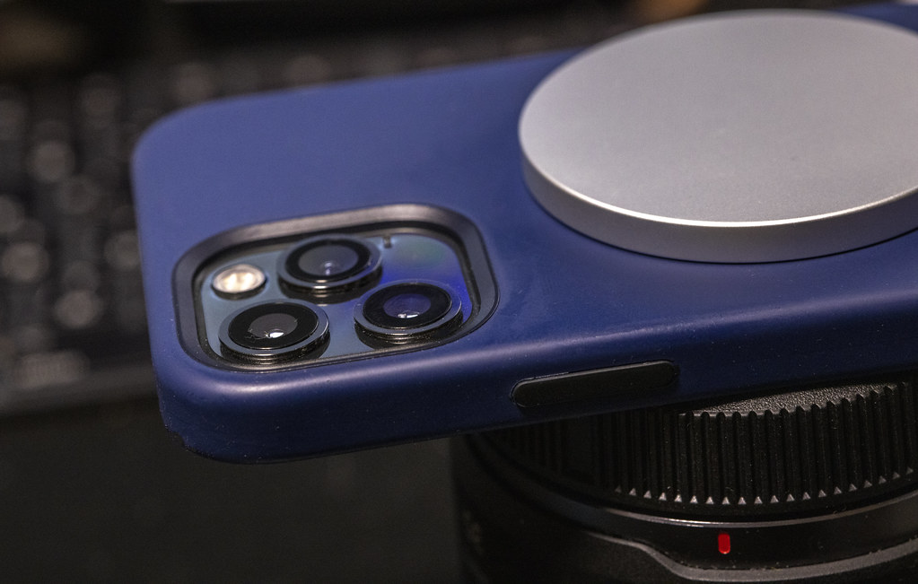 iPhone 12 Pro、MagSafe充電器が壊れた?と思ったら