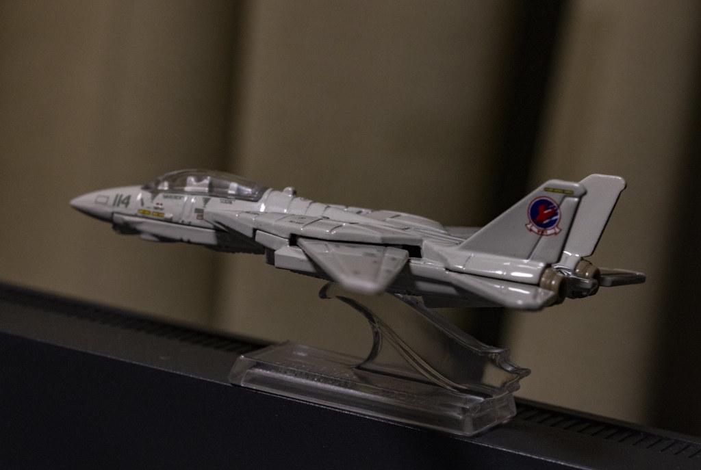 MATEL Hot Wheels TOPGUN F-14_13