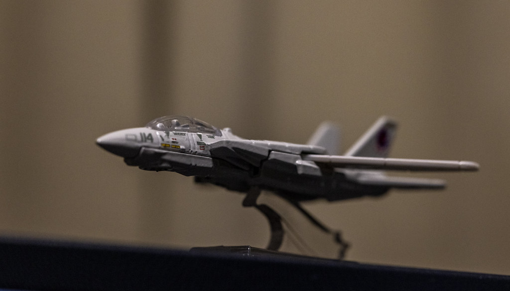 MATEL Hot Wheels TOPGUN F-14_05
