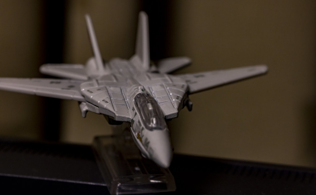 MATEL Hot Wheels TOPGUN F-14_15